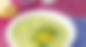 Pomladna krešina juha z osvežilno limonino noto