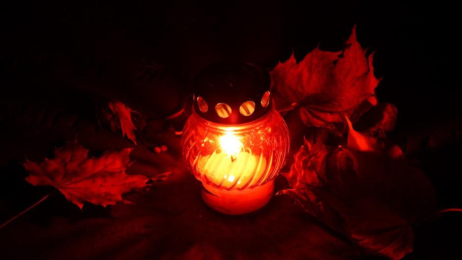Bi letos prižgali svečo manj? (foto: Shutterstock)