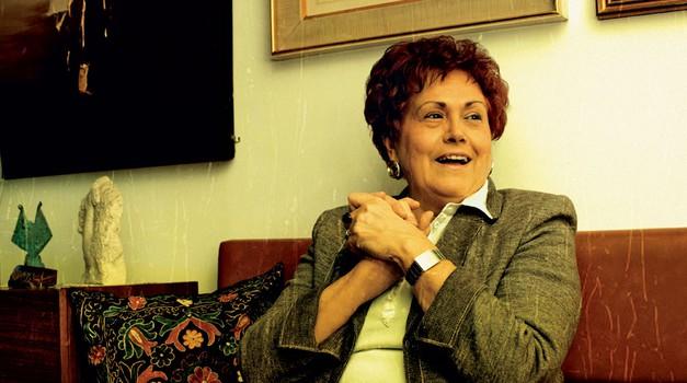 Dubravka Tomšič-Srebotnjak (foto: Mateja Jordović Potočnik, Petra Cvelbar, Shutterstock)