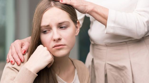 Krivda, hvaležnost in osvobajanje od čustvenih ran odnosa z materjo (foto: Shutterstock)