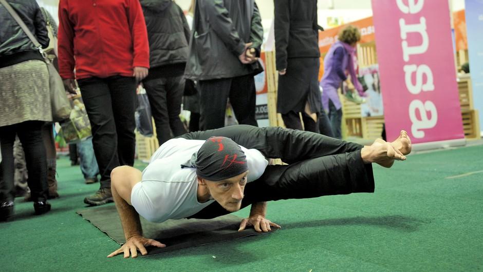 Kaj ni joga - jogijski performans Roberta Honna (foto: Primož Predalič)