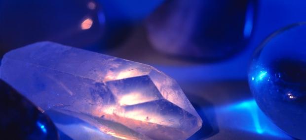 Kristali zdravijo na energetski ravni in zato zdravijo vzrok bolezni.