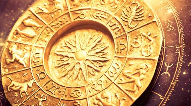Veliki letni horoskop 2018: Obširne napovedi za vsako znamenje (foto: Shutterstock)