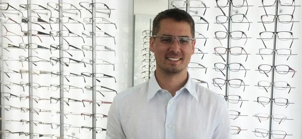 Nakup novih očal s pridelki, izdelki ali storitvami