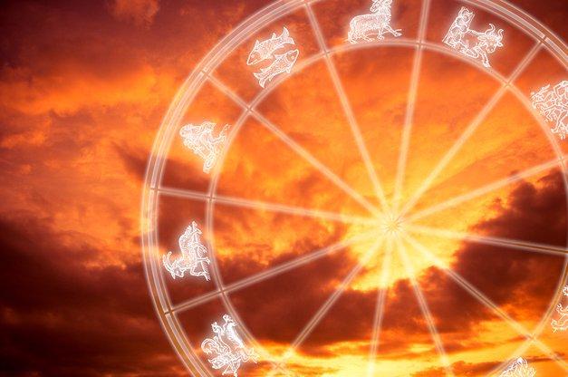 Veliki letni horoskop 2017: Obširne napovedi za vsako znamenje (foto: Shutterstock)