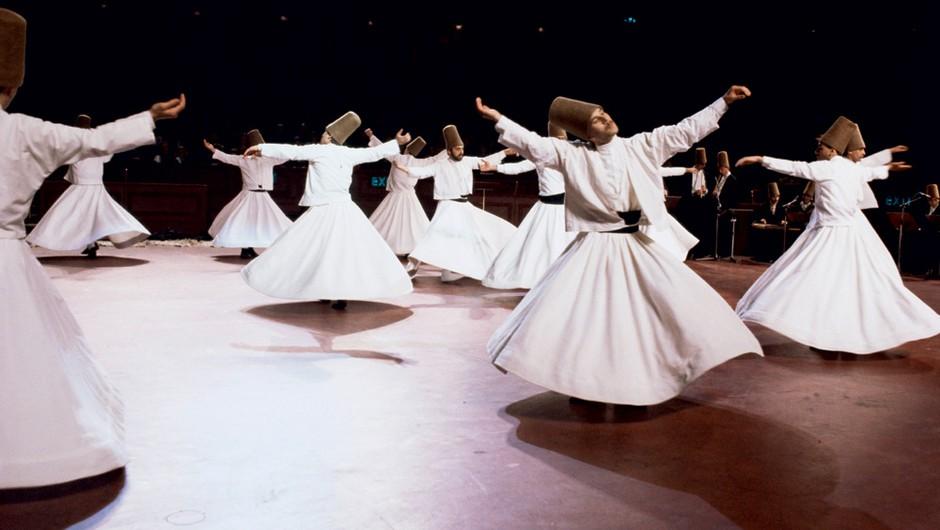 4-urna delavnica vrtenja po Rumijevi metodi (foto: Profimedia)
