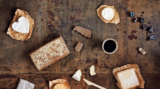 Pripravite doma: Polnovredni kruh Divjak vzhajan z divjimi kvasovkami (foto: Primož Burgar)