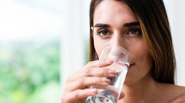 Sensa je preizkusila: Čiščenje črevesja s slano vodo (foto: Profimedia)