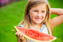 otrok-lubenica