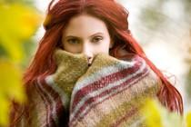 zenska-jesen-hlad-zima-mraz