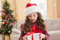 otrok-darilo-bozic