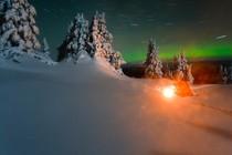 zima-ogenj-noc