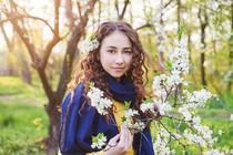 zenska-pomlad-roze-narava