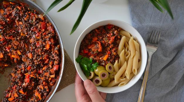 Recept: Lečina bolonjska omaka (foto: Sabina Turk)