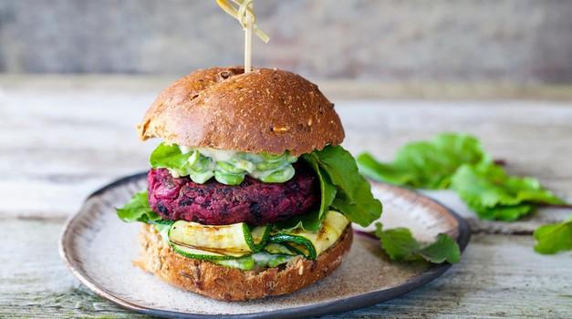 Recept: Burger iz rdeče pese (foto: profimedia)