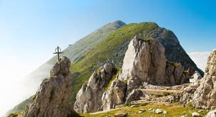 """Simpozij """"Pozno pokristjanjevanje slovenskega ozemlja"""" v Kobaridu"""