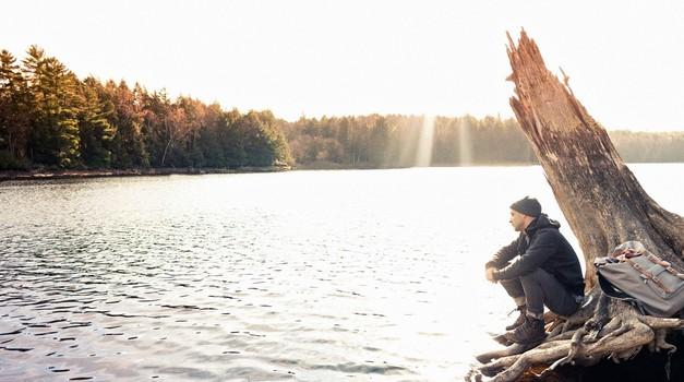 Vsi vemo, da moramo spregovoriti o svojih čustvih,  a vsem ostaja toliko neizrečenega...