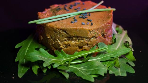 Recept: Veganski tatarski biftek (foto: irispotatolover.rocks)