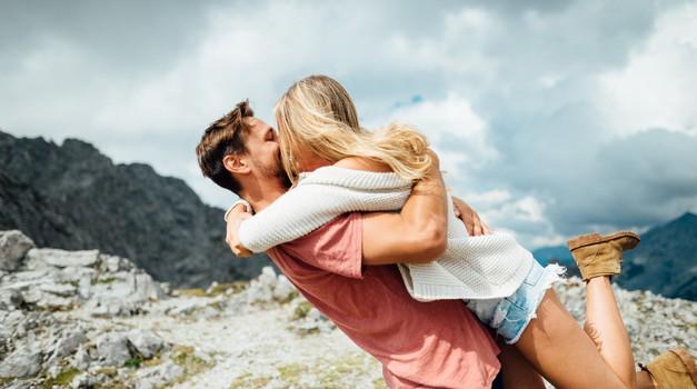 Napoved za ta teden: Bolj pestro ljubezensko življenje (foto: Unsplash.com)