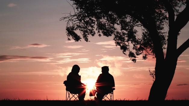Zakaj srečujemo ljudi iz prejšnjih življenj? (foto: Unsplash.com)