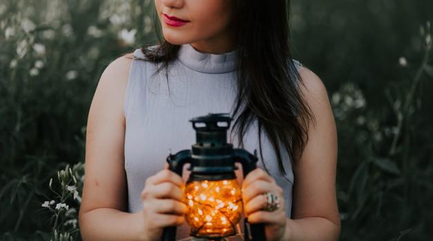 Vedno je pravi čas, da odložiš staro in ustvariš novo (foto: Unsplash.com)