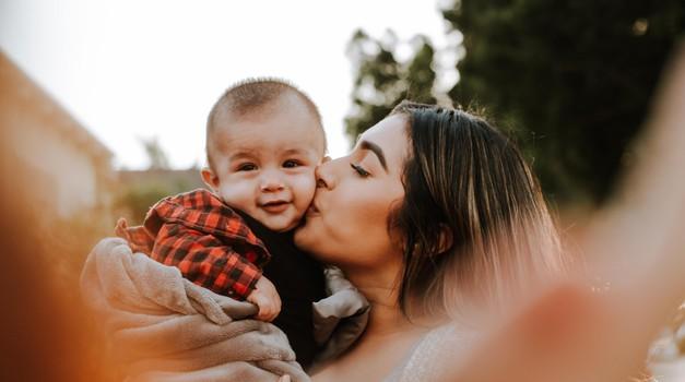 Starši lahko svojim otrokom veliko več damo, če imamo zadovoljene svoje potrebe (foto: Unsplash.com)