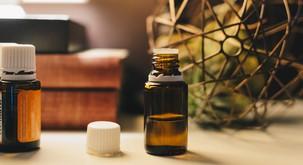 6 eteričnih olj, ki vas v hipu poživijo med službo