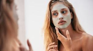 3 top naravne maske za sijočo kožo v zimskih dneh