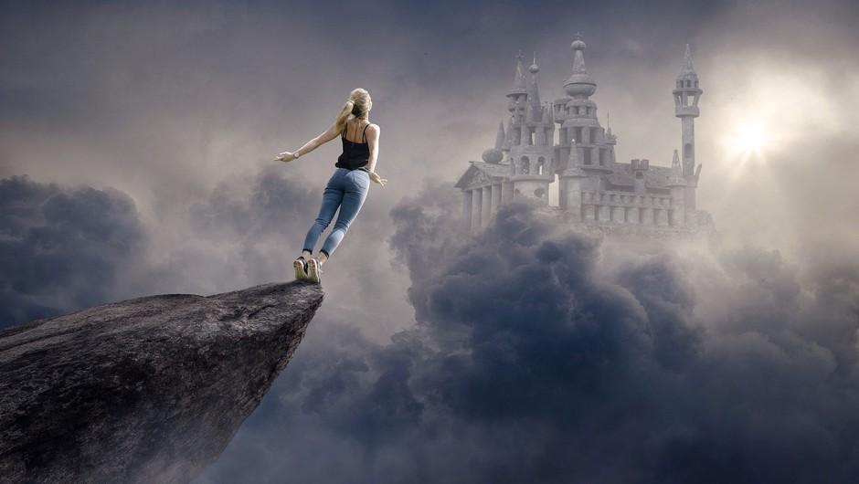 Sanje: padanje, letenje in bežanje (foto: pixabay)