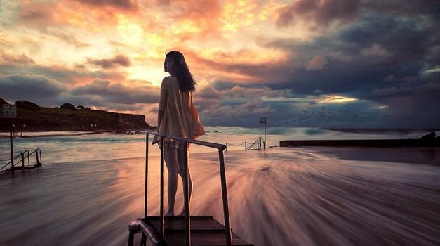 """Dr. Lucija Mulej Mlakar: """"Če želimo luč, bo treba žrtvovati svoj ego!"""" (foto: pixabay)"""