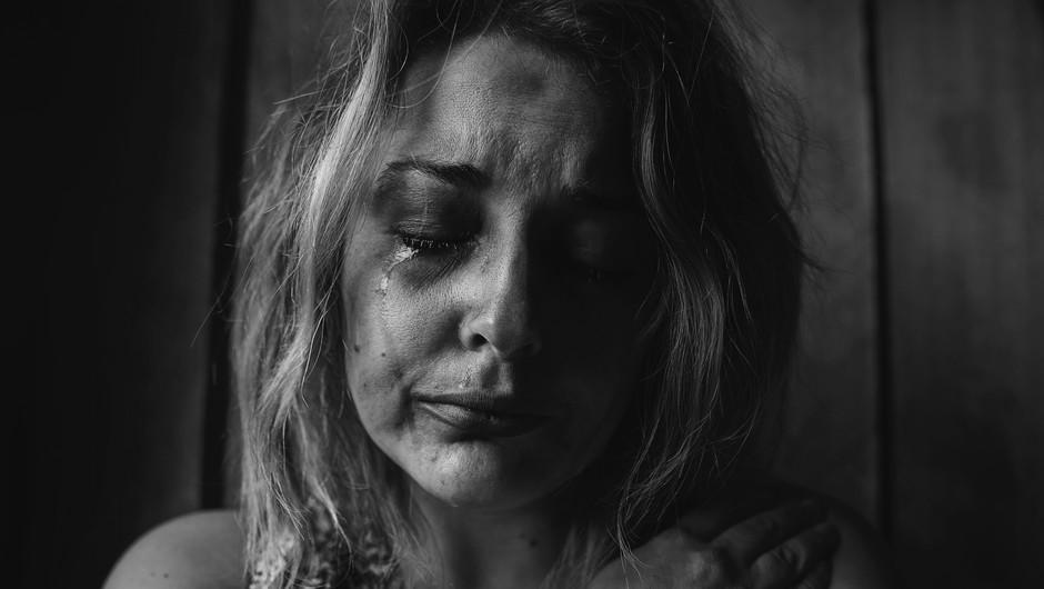 Ljudje, ki jih imamo radi, nas lahko najbolj prizadenejo (foto: unsplash)