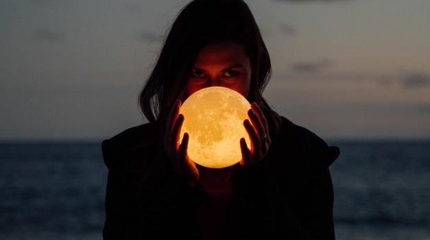 Super polna luna v tehtnici (21. 3.) (foto: unsplash)