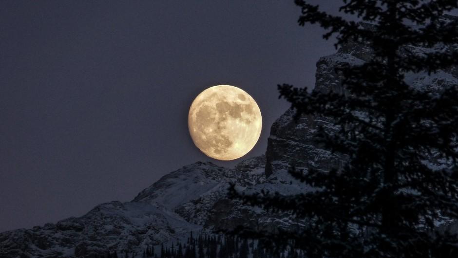 "Napoved za sredo (20. 3.): Polna luna ""gunca"" (foto: Unsplash.com)"