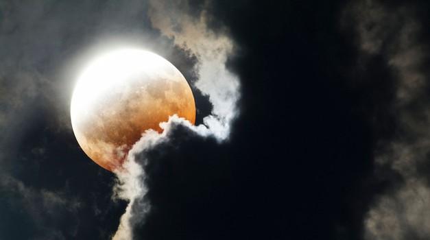 Polna luna in lunin mrk - najmočnejši vozel tega leta! (foto: profimedia)