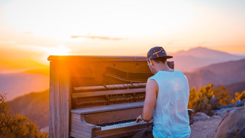 Igranje na glasbeni inštrument blaži stres (foto: Unsplash)