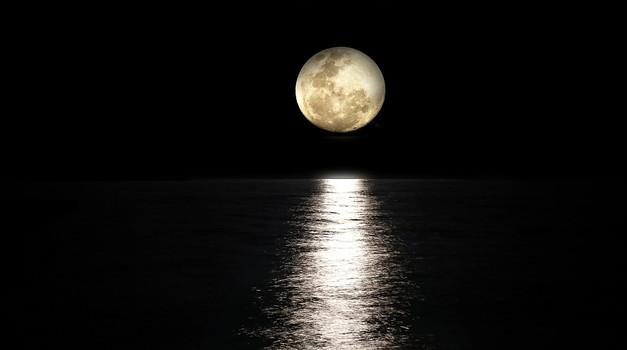 Polna luna v vodnarju (15. 8.): Zdravljenje ali drama? (foto: pixabay)