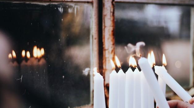 Ritual ob mlaju: Opustite vse, kar vam ne služi več (foto: Unsplash.com)