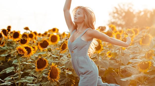 Že poznate Bachove cvetne esence? Bi zaplesali biodanzo? Pridite na delavnico Razcvet življenja! (foto: Unsplash.com)