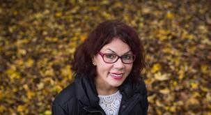 """Anita Ogulin: """"Umetna svetloba ne razblini teme revščine"""""""
