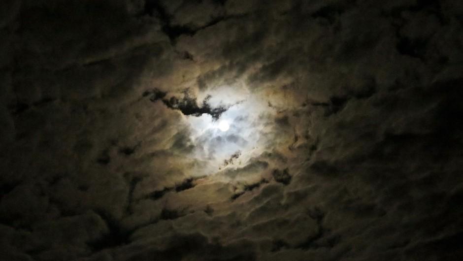 Lunin mrk predstavlja močan IZZIV (foto: pixabay)