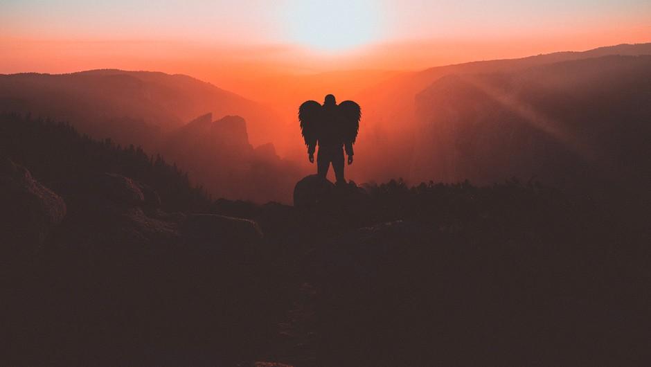 Duhovni vodniki niso resna in strašljiva bitja, so lahkotni in ljubeči (foto: Pexels)