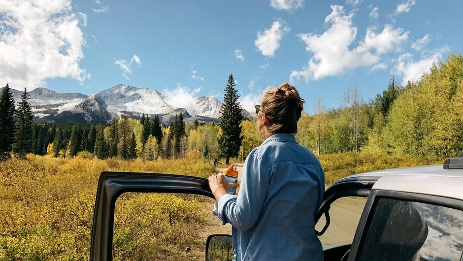 """Pesem: """"Vse, kar skromen človek rabi, najde se v naravi"""" (foto: Unsplash.com)"""