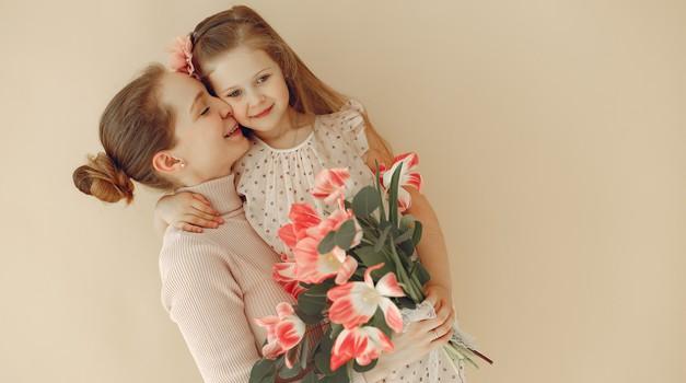9 razlogov, zakaj je mama lahko najboljša prijateljica (foto: pexels)