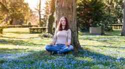 Samopomoč v času samoizolacije: dihalna vaja za dvig vibracije