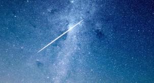 Danes ponoči lahko opazujete METEORSKI DEŽ