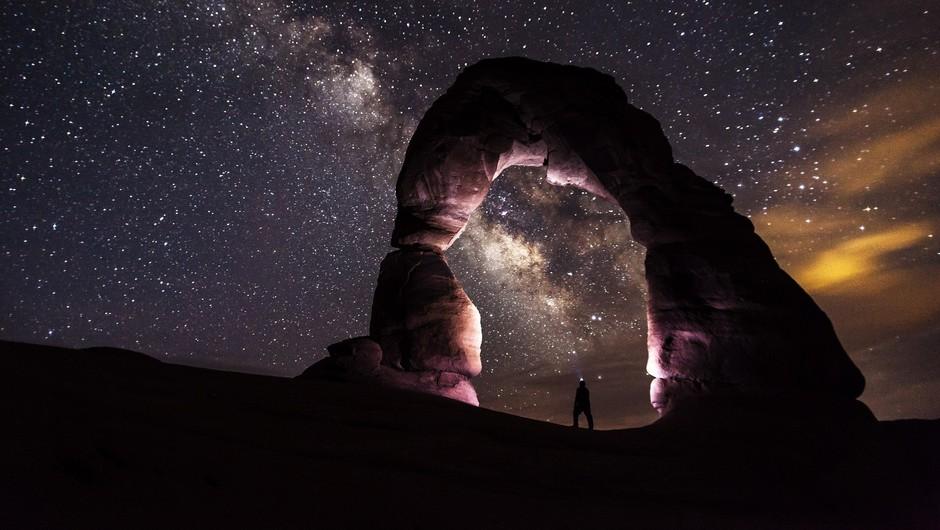 Smo iz iste snovi kot zvezde (foto: Pexels)
