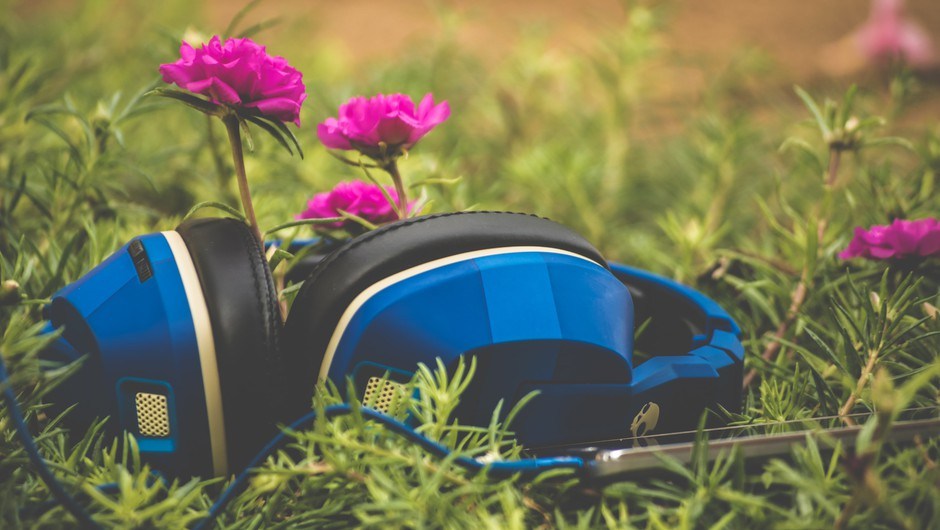4 pesmi, ki vas bodo ponesle v druge svetove... (foto: unsplash)