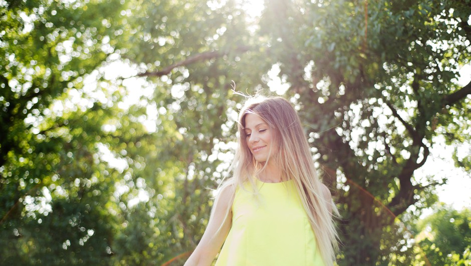 Ali veste, da lahko barva vaše lase tudi neguje? (foto: profimedia)