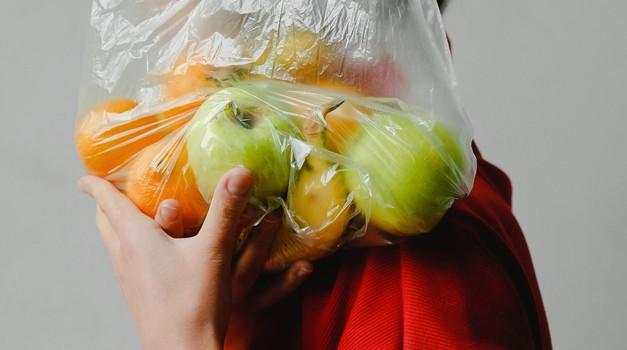 8 plastičnih stvari, ki se jim lahko takoj odpovemo (foto: Pexels)