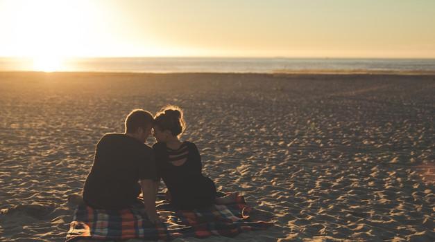 Numeroskop: Previdno v novih odnosih (foto: Pexels)